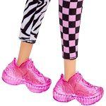 Barbie fashionista barátnők - szőke kockás-zebra mintás nadrágban (kép 3)