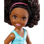 Barbie Chelsea babák - barna bőrű kislány virágos felsőben (kép 2)