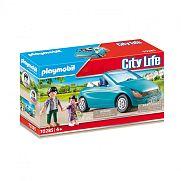 Playmobil City Life - Apuka kislánnyal és kabrióval 70285