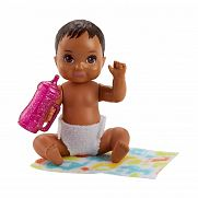 Barbie bébiszitter babák - Barna hajú bébi